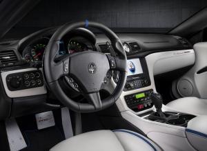 Maserati GranCabrio салон