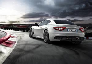 Maserati GranTurismo вид сзади