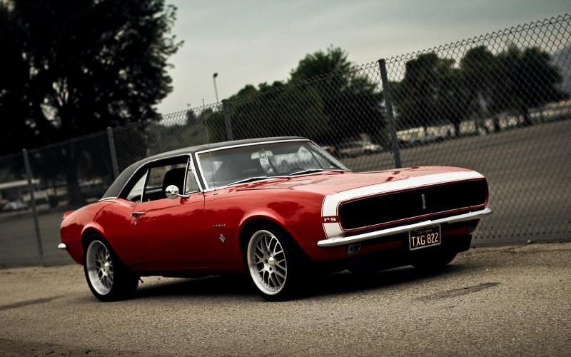 В Америке «разозлили» Camaro и Dodge