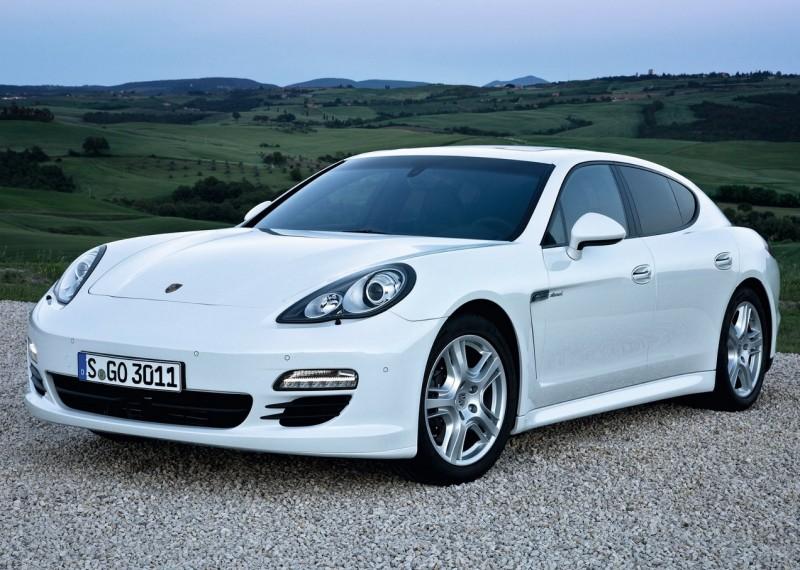 Porsche вернулась к истокам, выпустив рестайлинговую 911