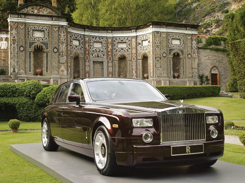 Rolls-Royce показал свою «темную сторону»