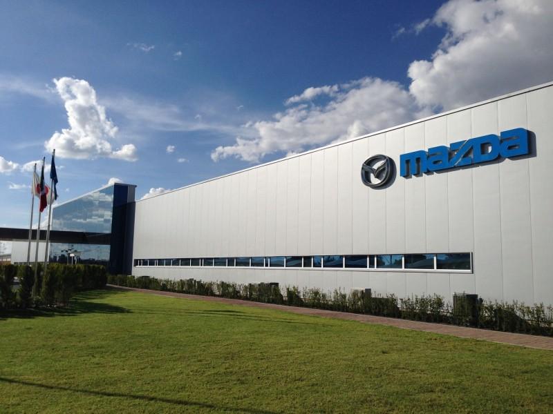 Как будет выглядеть первый электромобиль Mazda?