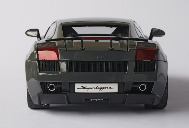 Lamborghini Gallardo Superleggera вид сзади