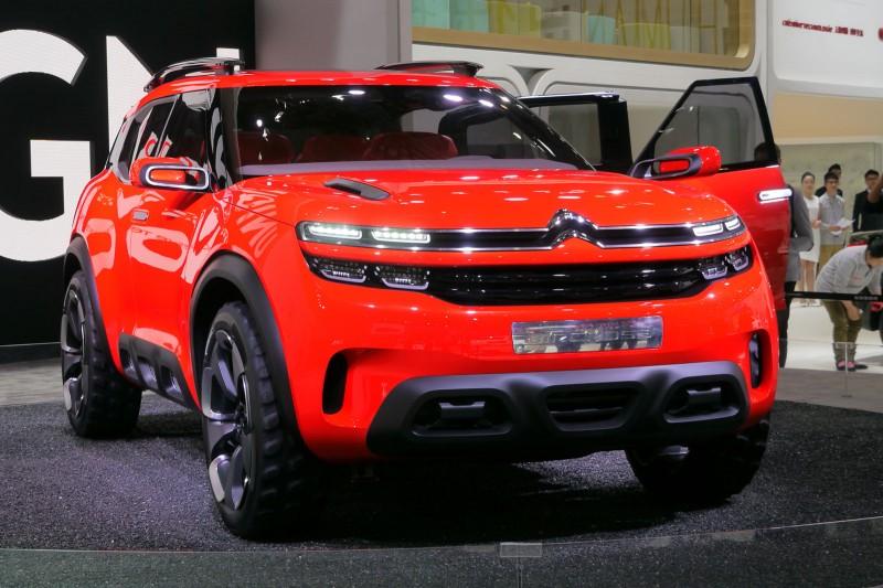 Кардинально новый фургон Opel Vivaro 2019