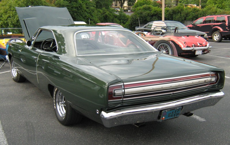 Plymouth Road Runner вид сзади