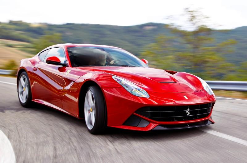 Автомобиль Ferrari LaFerrari