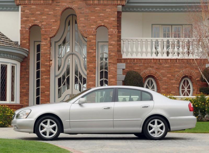 Infiniti представила модель Q30