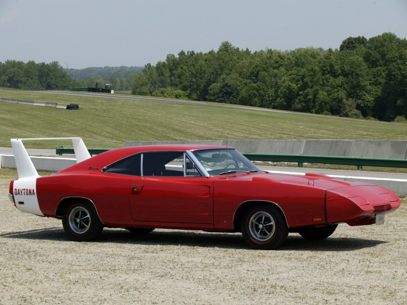 Dodge Charger Daytona спорткар
