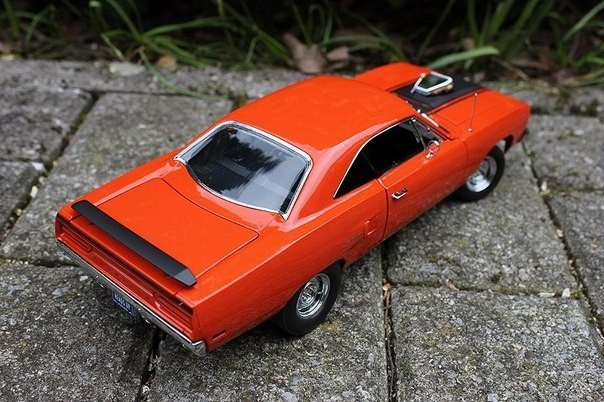 Plymouth Roadrunner авто