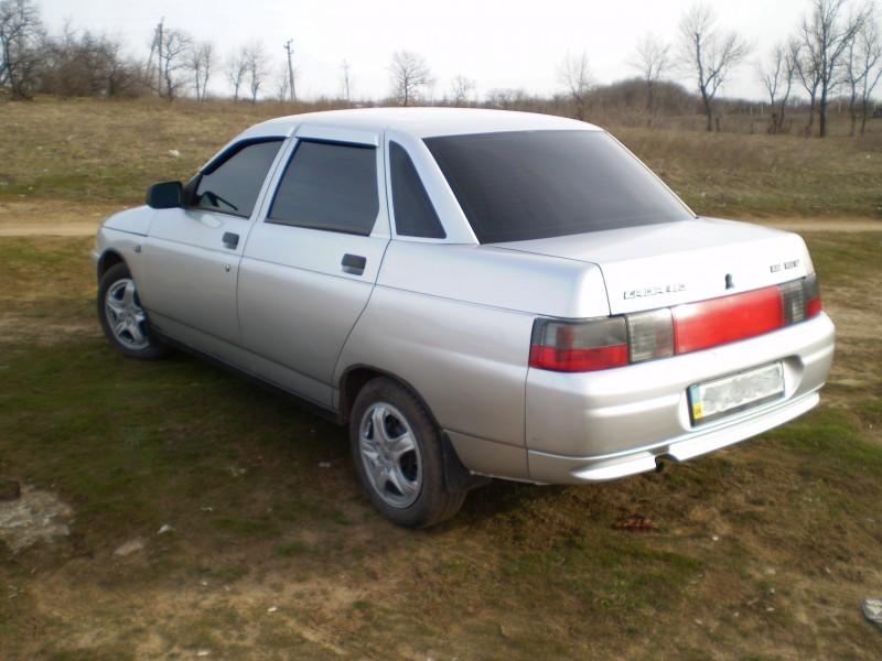 ВАЗ-2110 автомобиль