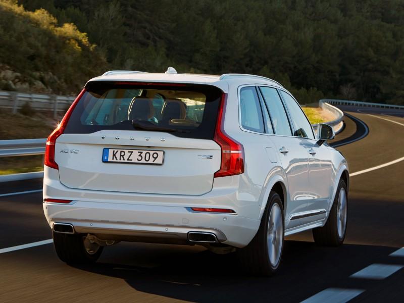 Volvo XC90 II вид сзади