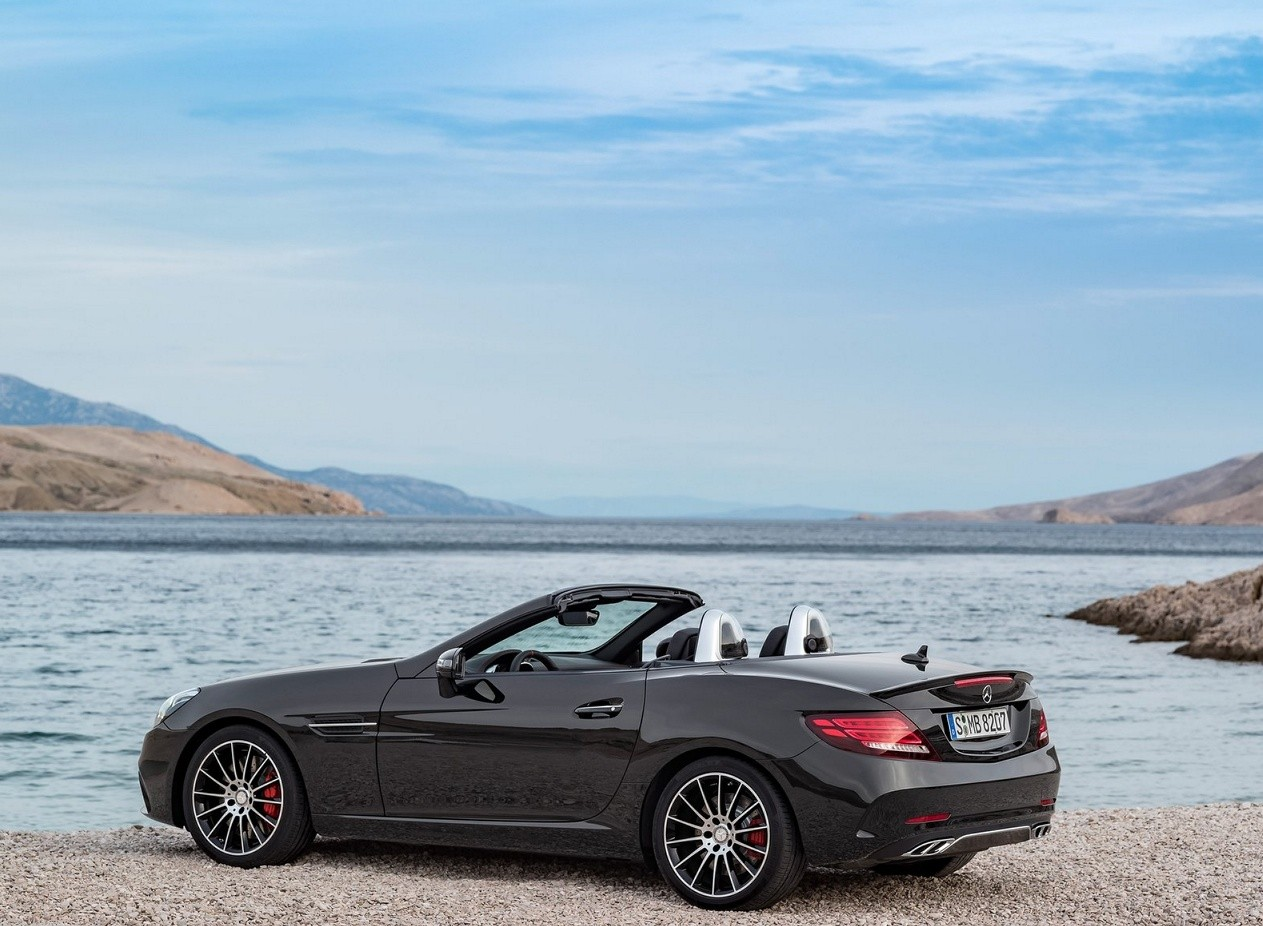 Mercedes-Benz SLC43 AMG фото