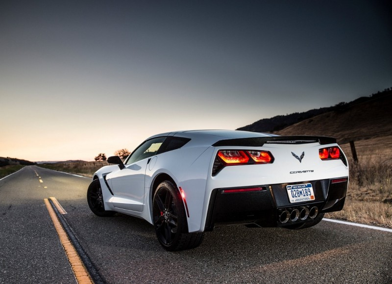 Вид сзади Chevrolet Corvette C7 Stingray