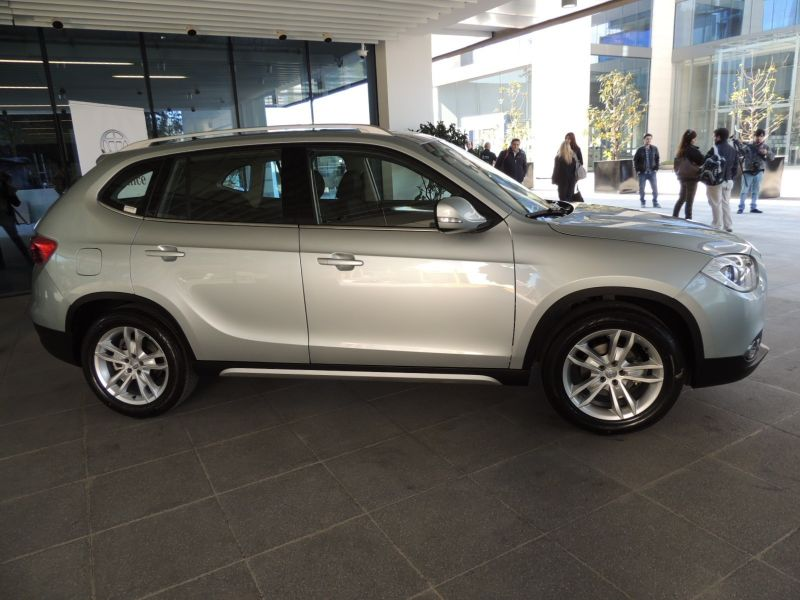 Вид сбоку Brilliance V5