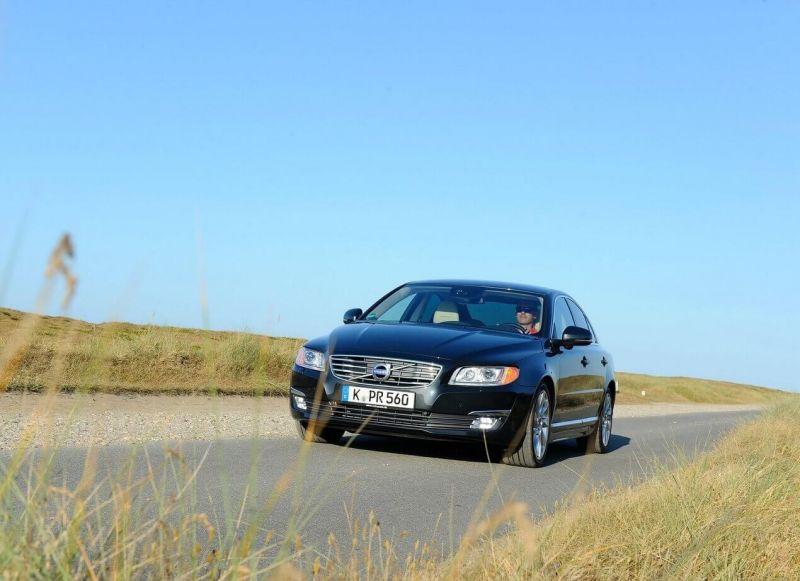Вольво S80 автомобиль