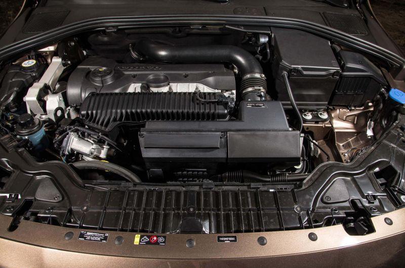 Volvo V60 Cross Country двигатель