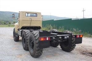 Вид сзади Урал-5557