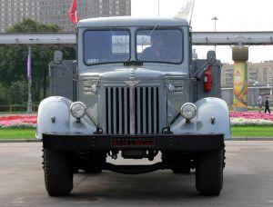 Вид спереди Maz-200