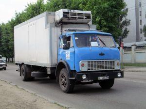 МАЗ-5334 автомобиль