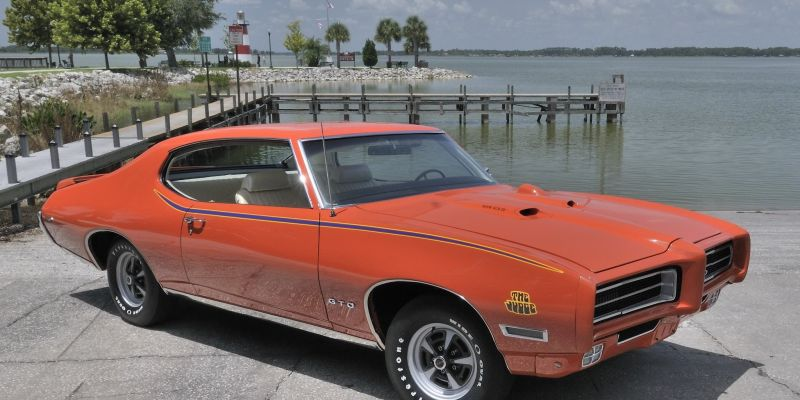 Автомобиль Pontiac GTO