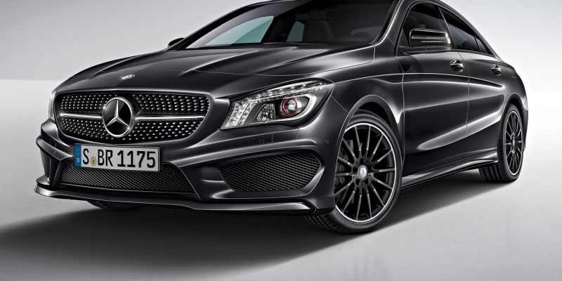 Mercedes манит новым электромобилем