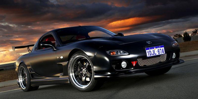 Автомобиль Mazda RX-7