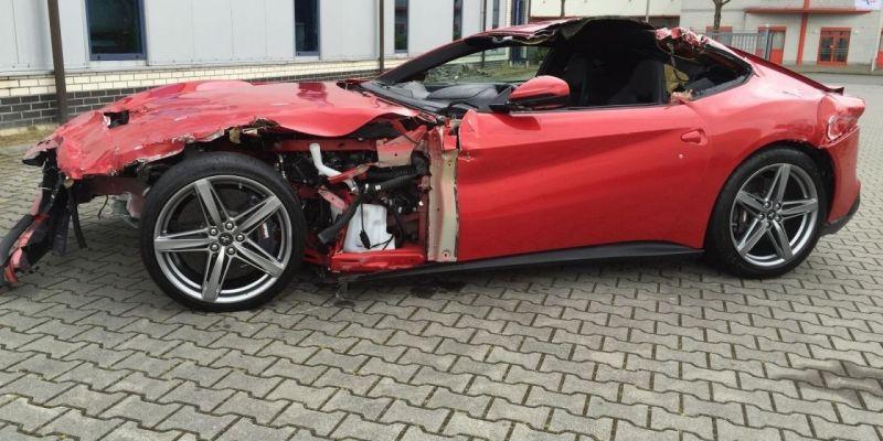 Разбитому Ferrari F12 Вerlinetta определили цену в 77 000 евро