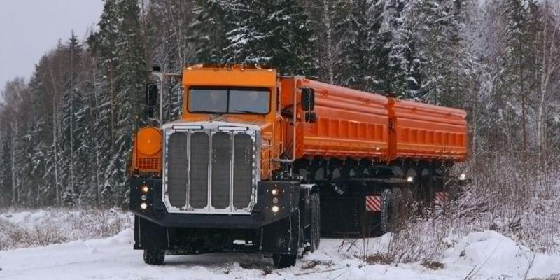 Сильный, но невзрачный: Россия построила грузовой автомобиль-рекордсмен