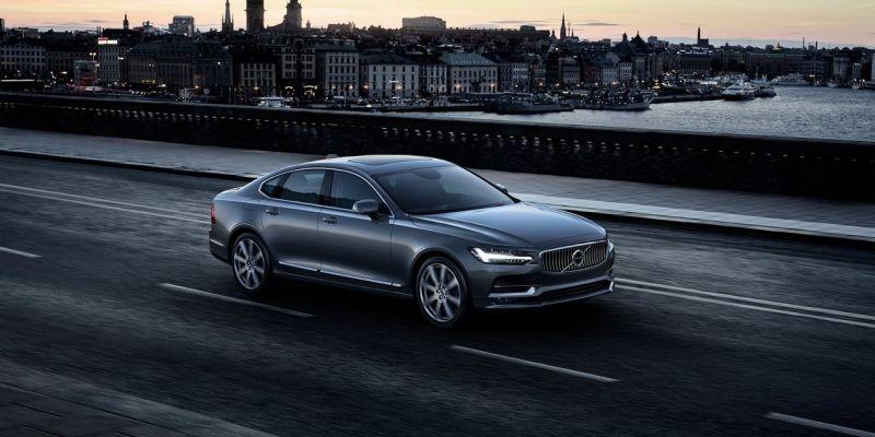 Стало известно, сколько будет стоить Volvo S90 в России