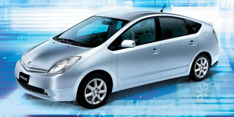 Новый облик Toyota Prius