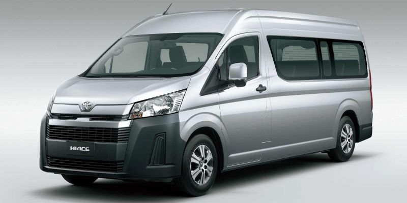 Японская компания Toyota продемонстрировала новый микроавтобус Hiace