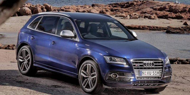 Автомобиль Audi SQ5