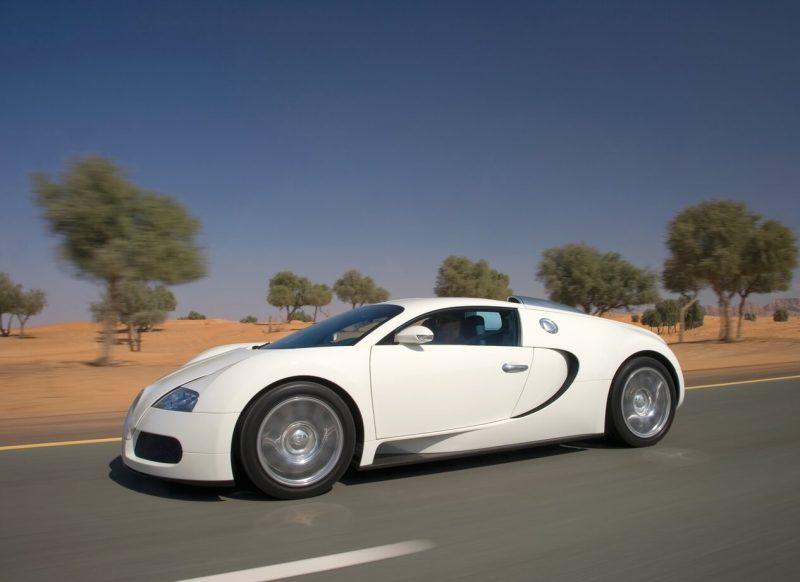 Авто Bugatti Veyron 2009