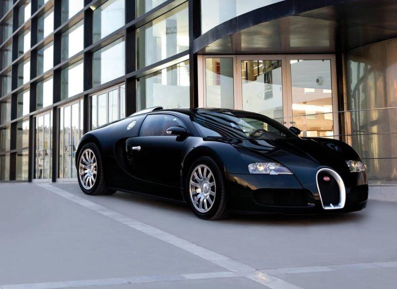 Bugatti Veyron спорткар