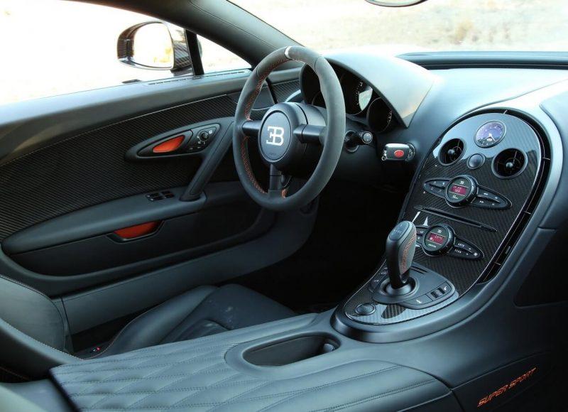Bugatti Veyron Super Sport фото салона