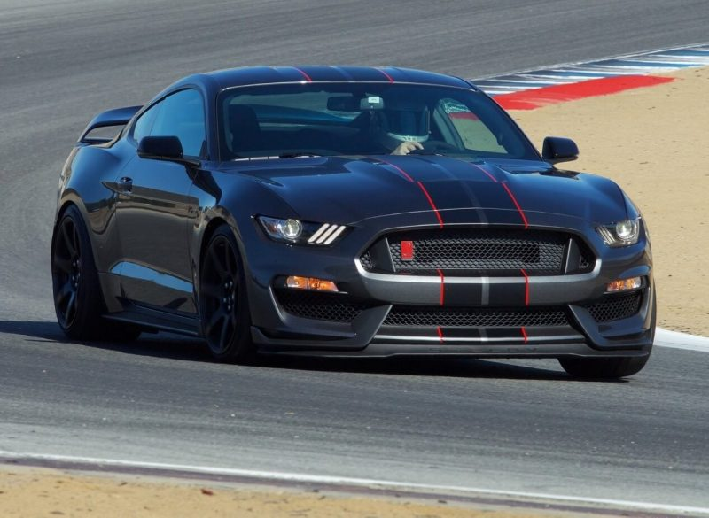 Фото Mustang Shelby GT350