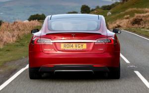 Вид сзади Тесла Модель S