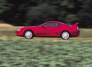 Тойота Супра МК4 вид сбоку