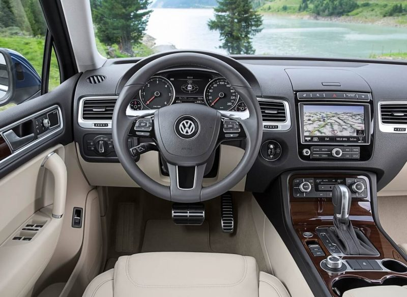 Volkswagen Touareg интерьер