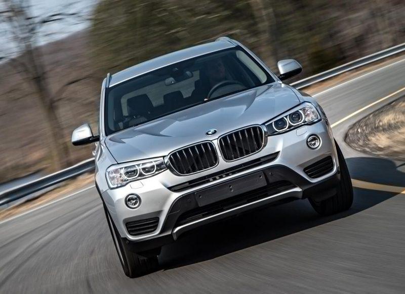 Вид спереди BMW X3