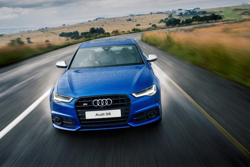 Вид спереди Audi S6