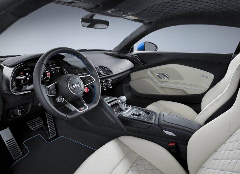 Audi R8 фото салона