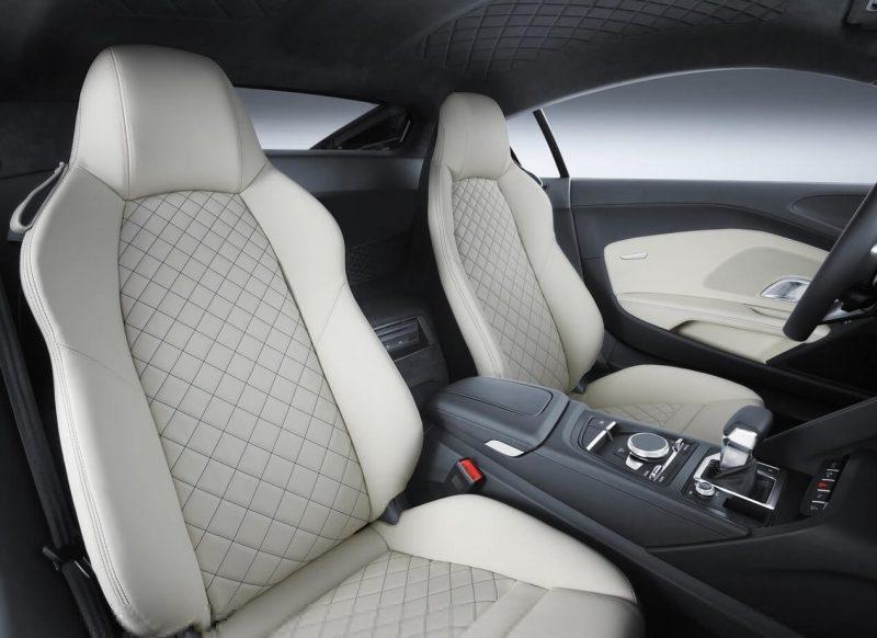 Audi R8 салон