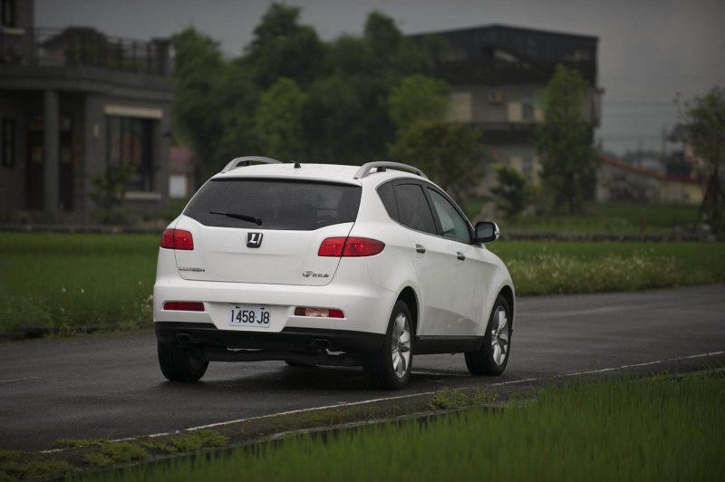 Luxgen 7 SUV вид сзади