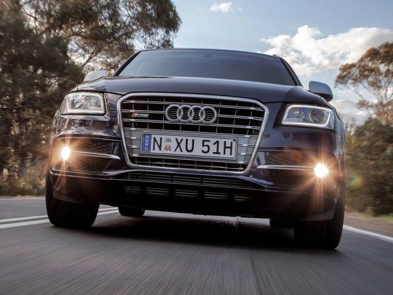 Audi SQ5 вид спереди