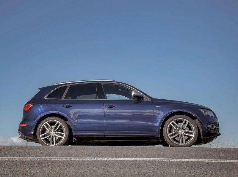 Audi SQ5 вид сбоку