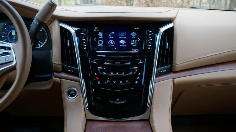 Мультимедиа Cadillac Escalade