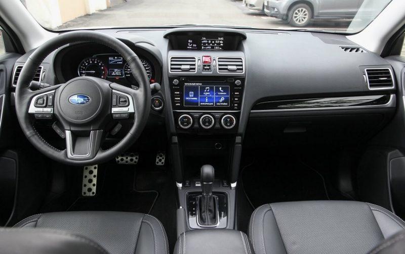 Автомобиль Subaru Forester 4