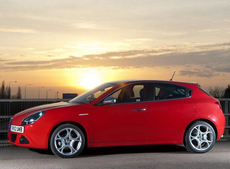 Вид сбоку Alfa Romeo Giulietta