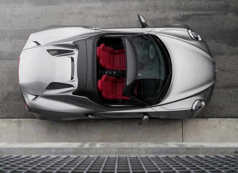 Alfa Romeo 4C Spider вид сверху